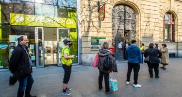 Engedjék előre az időseket! - kéri a Magyar Posta
