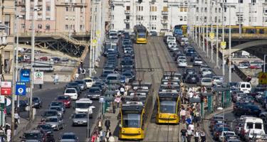 Durva sebességkorlátozás jöhet Budapesten