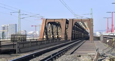 Elindult a legforgalmasabb dunai vasúti híd felújítása